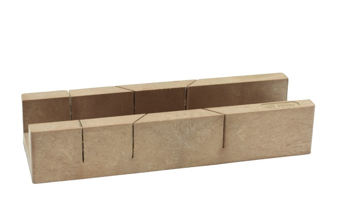 Trucs et astuces de robert 16 comment scier en angle for Chevre pour couper le bois