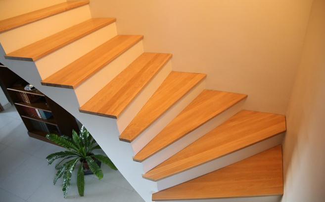 escalier quart tournant en ch ne le blog du bois. Black Bedroom Furniture Sets. Home Design Ideas