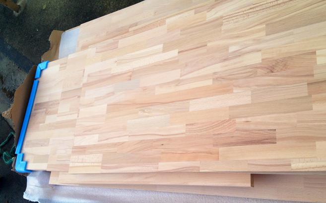 livraison des panneaux en bois massif