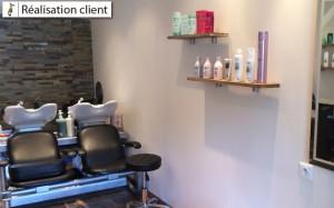 réalisation étagères en chêne pour salon de coiffure